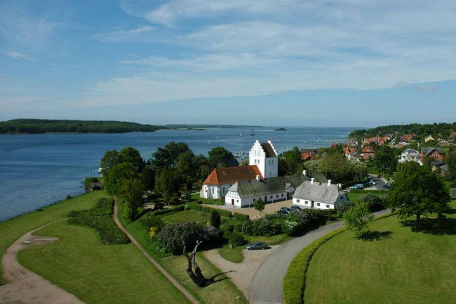 картинка фотография курорта Фюн, остров в Дании